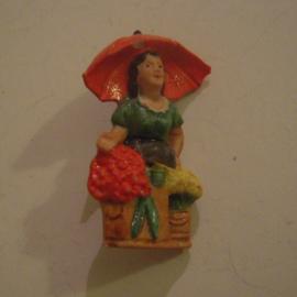 Gau Berlin 1941 Jan. WHW Spende. Berliner Typen - Die Berliner Blumenfrau. Porzellanabzeichen mit Nadel 45mm T029a (13667)