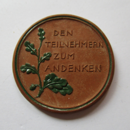 1922 Berlin , German Summer Games , participants souvenir. Green decor !!! Teichert - Meissen 38mm Not mentioned in Scheuch (16204)