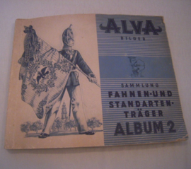 Flag and standart bearers complete with collector cards , album II.  Alva Cigaretten < 1945 (15586)