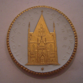 1922 Leipzig , Thomas church 700 yrs celebration donation. Gold décor !!! Max. 200 pcs made !!! Meissen Porcelain 40mm Sch776q - R !!! (16143)