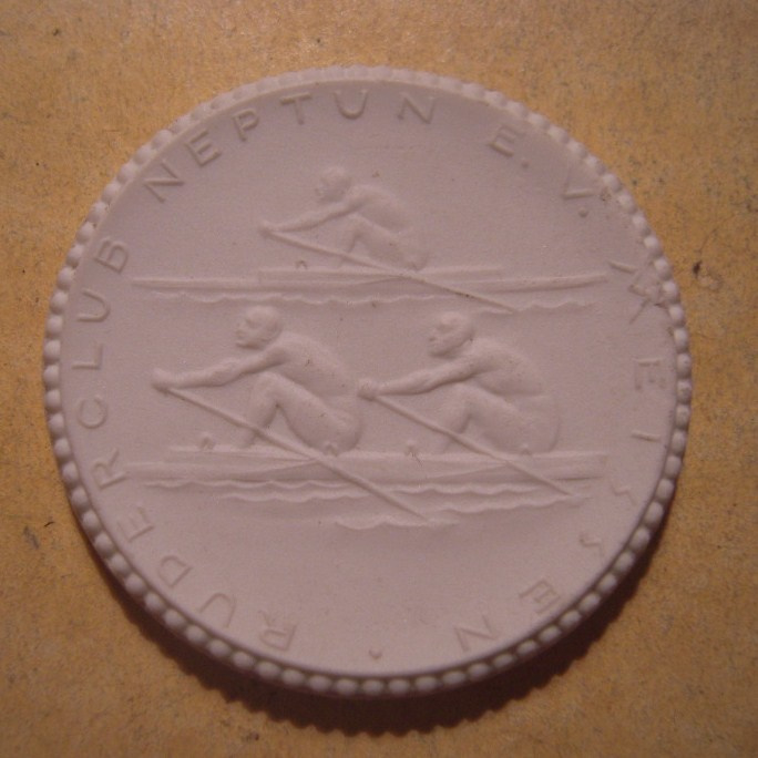 1922 Meissen , 40 yrs Rowing Club Neptune.Max. 500 pcs made !!! Meissen Porcelain 40mm Sch1962n - VIII (13316)