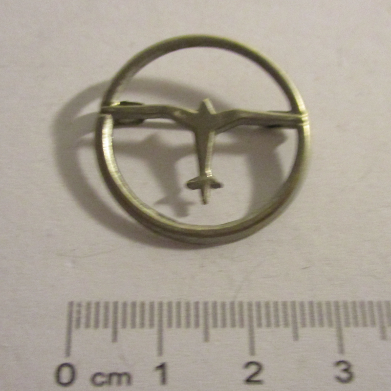 1933-35 German Air Sports Association donation pin. Airplane - single in circle , silvered metal DLV19 (16388)