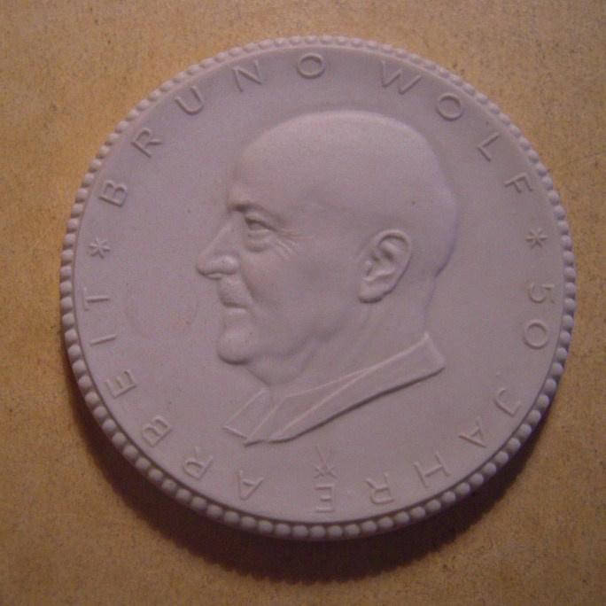 1938 Chemnitz , 50th Birthday Bruno Wolf.  Meissen Porcelain 58mm Sch1187n - VII (13597)