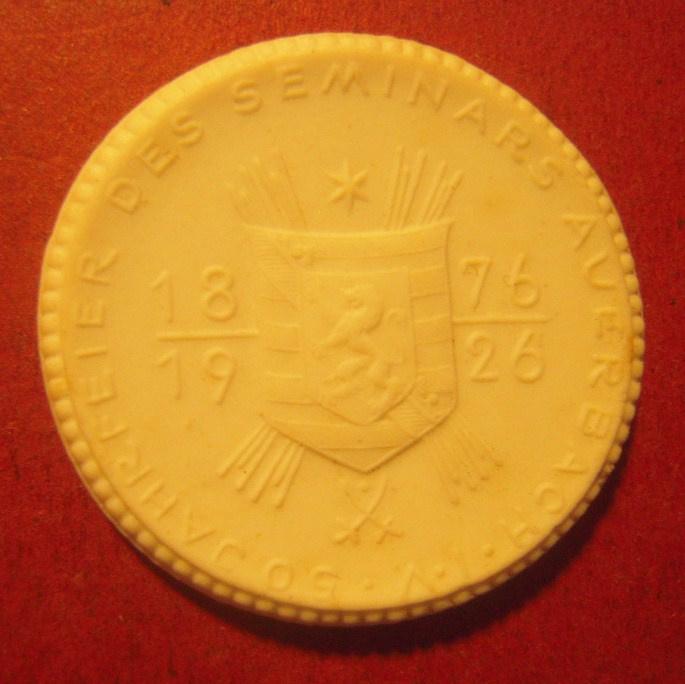 1926 Auerbach , 50 yrs celebration seminar. Max. 200 pcs made !!! Meissen Porcelain 36mm Sch1021n - R !!! (11337)