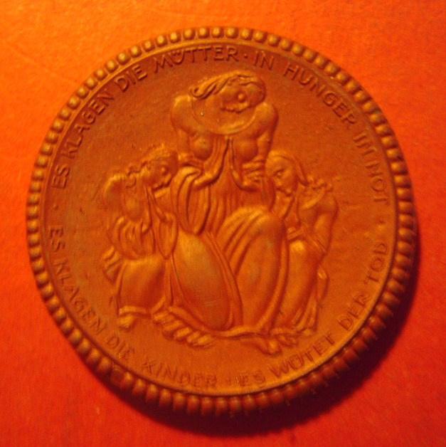 1921 Dresden , Saxon Red Cross donation. Meissen Porcelain 42mm  Sch711a - III (11684)
