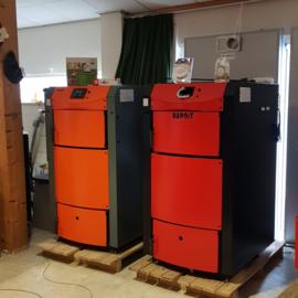 Houtvergasser Pyroburn Dpx 40/50 kW.  Rendement >90%