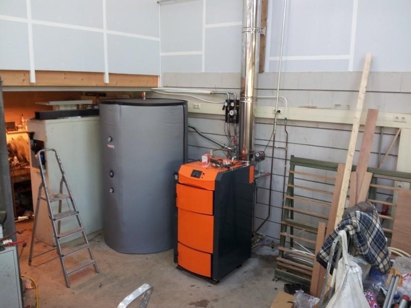 Pyroburn 40 Kw aan 2000 liter buffertank te Oene