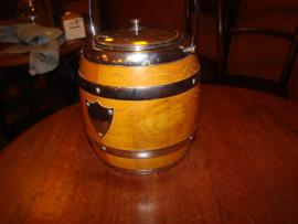 Vintage koekpot of biscuitbarrel of ijsemmer.Laminated Lancraft Woodware.