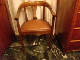 Eiken bureaustoel met bruin leren bekleding                VERKOCHT