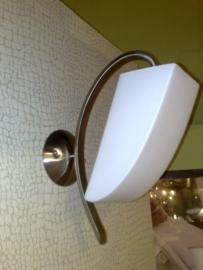 Wandlamp mat nikkel en glazen kap nr:20314/1