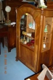 Vitrinekast met één deur