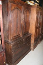 Koloniaal kabinet omstreeks 1880 met 2 paneeldeuren en 4 laden nr 10006