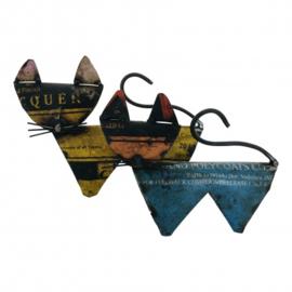 abstracte kat S gemaakt van oud ijzer blik h15cm nr 5183