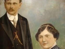 Oud schilderij , portret van man en vrouw  of echtpaar in art deco lijst.