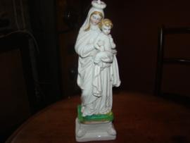 Antiek  porceleinen Mariabeeld met kindeke Jezus.
