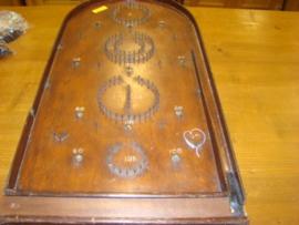 Oud houten knikkerspel
