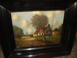 Oud en antiek schilderij landschap in oude zwarte lijst.   VERKOCHT