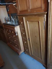 Oude spekkast met 4-laden hoog nr 11341