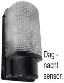 Buitenlamp wand dag-nacht sensor E27 Poly zwart nr 7055