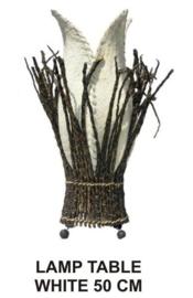 Kokoslamp wit kern is van kokosbast en rondom takken h-50cm