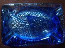 Glazen asbak van blauw glas