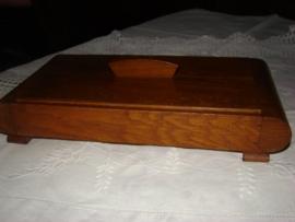Art Deco box (doos) van eiken hout    VERKOCHT