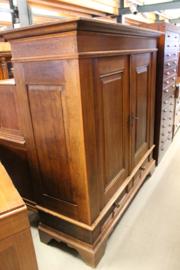 Mooie duitse 2-deurskast eiken 1830 in oorspronkelijke staat en goede kwaliteit nr 10021