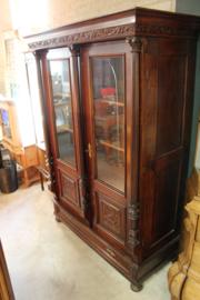 2-deurs vitrinekast eiken donker gekleurd 1900-1920 nr 11025