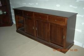 Massief medium oak eiken dressoir met 4 paneel schuifdeuren