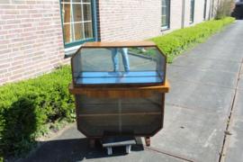 Art-Deco minibar kabinet noten fineer met geslepen schuifdeurtjes nr 11304