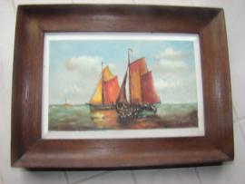 Oud schilderijtje van twee zeilschepen  door L. Bogert.