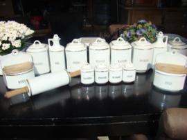 Voorraadpotten wit met gouden randje 15 delig