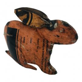 konijntje gemaakt van oud ijzer h16cm allerlei kleuren nr 7911