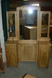 Oud grenen kaptafel 3-spiegels