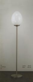 Vloerlamp h-127 mat nikkel met opaal wit ei glas nr 99.07