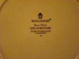 Oud  wit serveerbord met bladeren in relief Wedgwood.
