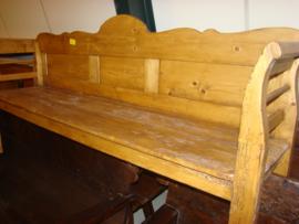 Oude houten banken