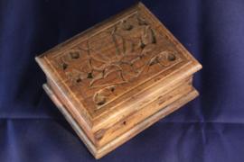 Sieraden kistje handgemaakt houtsnijwerk klein b-12cm nr 1812A