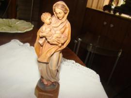 Maria met kindje Jezus.