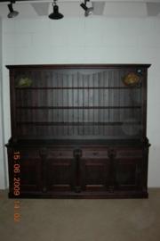 4-deurs bordenkast donker teak gekleurd