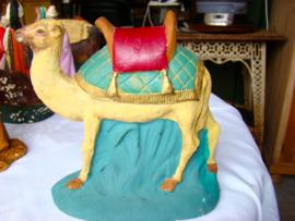 Oude kameel voor kerststalletje.