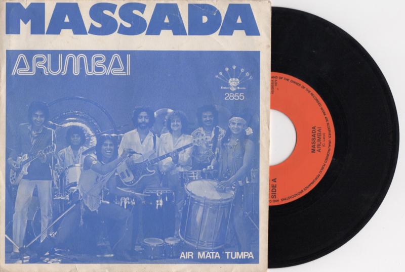 Massada met Arumbai 1979 Single nr S2020359