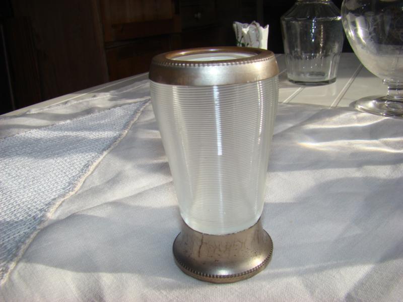 Lepelvaasje fries draadglas.