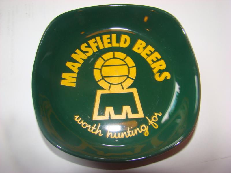 Groene reclame asbak Mansfield Beers.