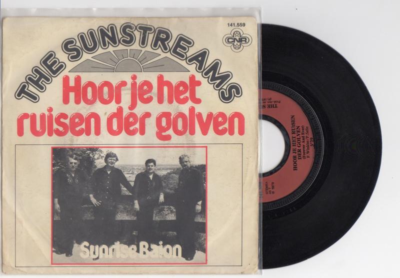 The Sunstreams met Hoor je het ruisen der golven 1979 Single nr S2021945