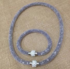 Set 1 ketting en 1 armband met Crystal stenen gevulde magnetische sluiting Charm Stardust voor de vrouw. kleur grijs