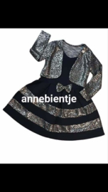 Zwart jurkje Met zilver  met zilvere  bolero p