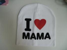 Super schattige babymutsje met de tekst ''I love mama''. Elke papa/mama zou heel blij zijn om dit kado te krijgen en bij zijn kindje op te zetten  materiaal: katoen vanaf 6 maanden te dragen