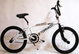 BMX Freestyle / Crossfiets BUGATTI TORNADO GLANS WIT 20 INCH FREESTYLE