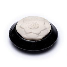 Geursteen (lotus)  (7.5 x 3.5 cm)- zwart